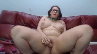 Chubby young squirter Scarlette wanna be spanked n fucked