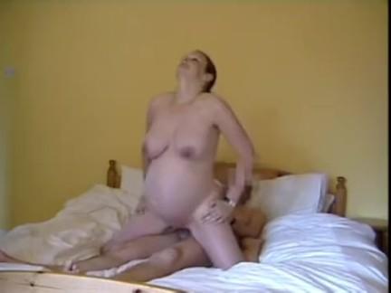 Hot pregnant babe