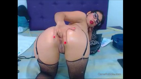 Latina cam girl takes it to the ass like a champion – CamsBubble.com