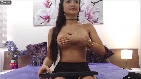 SarithaBrown-  you'll love how I dance slow and sexy- webcam model