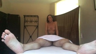 Slutty Masseuse Gives Happy Ending Massage – Hidden Camera