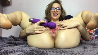 Watch Mary Squirt All Over the Sheets